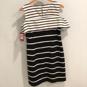 Vince Camuto Dresses - BNWT Black & White Vince Camuto Striped Dress Sz 8